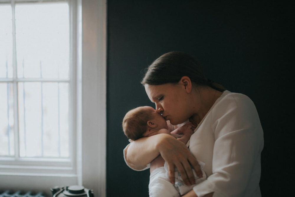 Newborn photography. Mum and baby