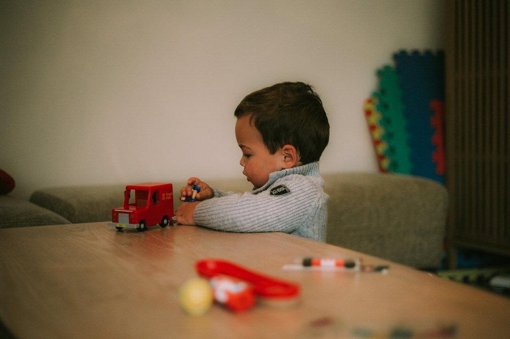 toddler photography Reading Berkshire postman pat