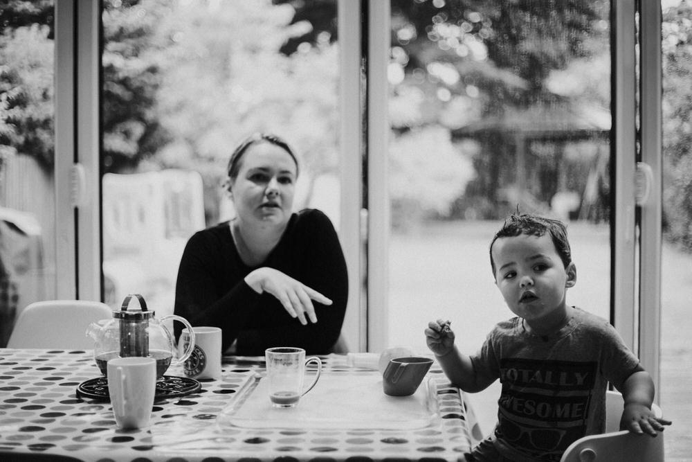 Mum and newborn photography