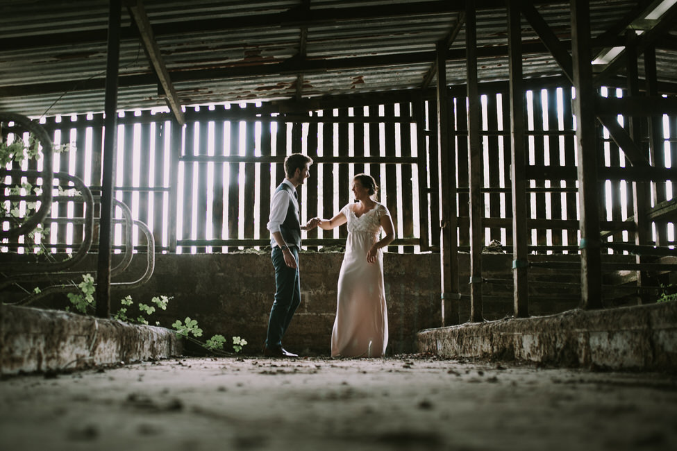 BerkshireWeddingPhotograher-BARN