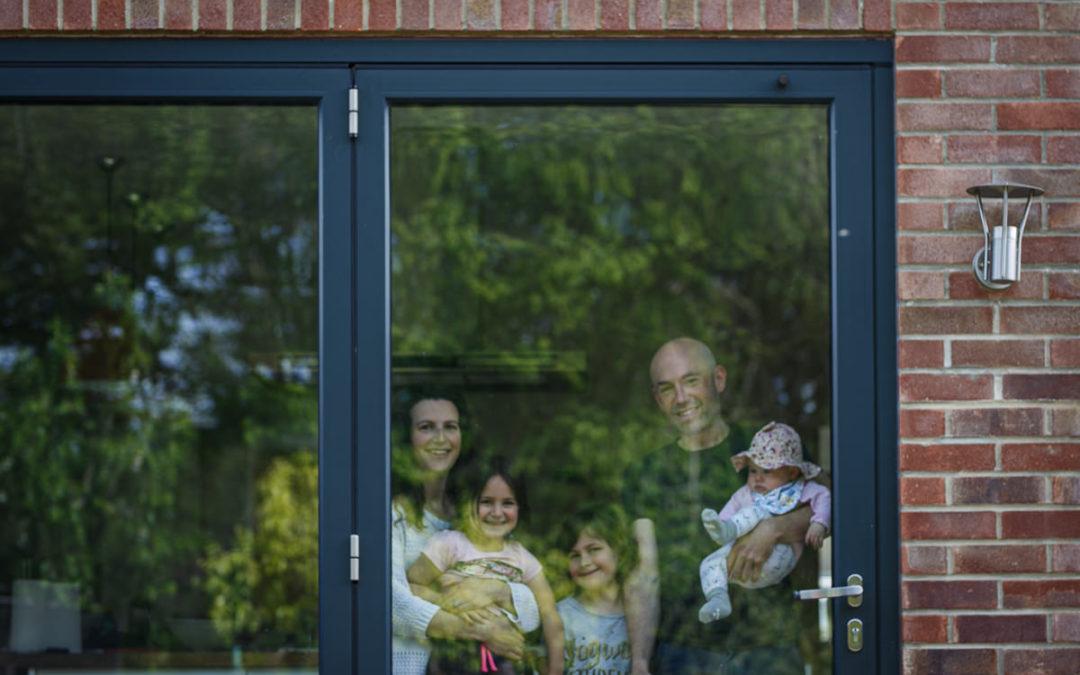 Doortraits Coronavirus lockdown | Caversham doorstep photography